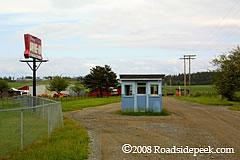 roadside peek drivein theatres pacific northwest 3