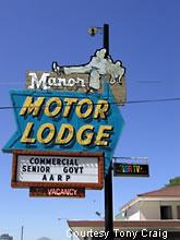 Roadside peek other roadside motels nevada 3 for Manor motor lodge las vegas