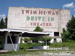 Update 01 08 Here S A Shot Of The Twin Hi Way Drive In Theatre And Its Screen Tower Many Thanks To Jim Zahniser For Photo